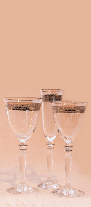 Platinum set of wine glasses