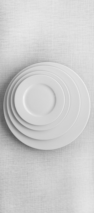 White round plate set